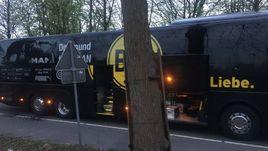 """Автобус """"Боруссии"""" после взрыва."""