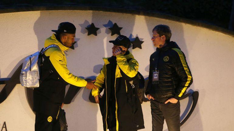 """Вторник. Дортмунд. Футболисты """"Боруссии"""" после взрыва. Фото AFP"""