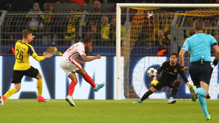 "Сегодня. Дортмунд. ""Боруссия"" Д - ""Монако"" - 2:3. 79-я минута. Второй гол вундеркинда гостей Кильяна МБАППЕ. Фото Reuters"