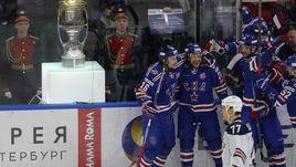 """Пятница. Санкт-Петербург. СКА - """"Металлург"""" Мг - 3:2. Питерской команде осталось сделать один шаг до завоевания Кубка Гагарина."""