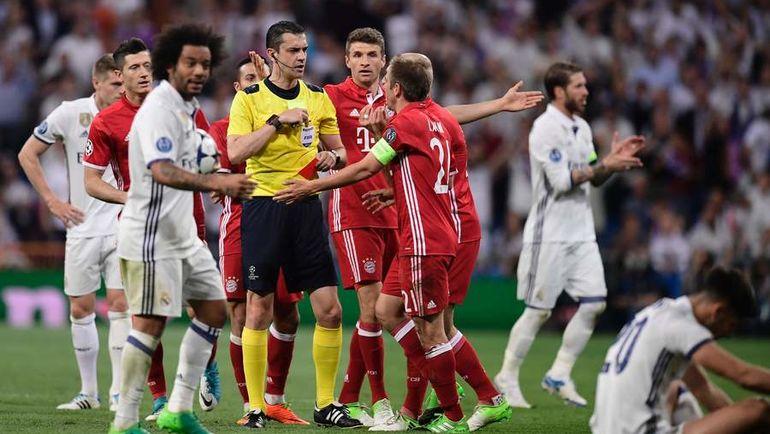 """Вторник. Мадрид. """"Реал"""" – """"Бавария"""" – 4:2 д.в. Венгерская бригада Виктора КОШШОИ допустила ряд резонансных ошибок. Фото AFP"""