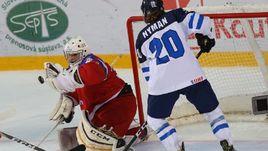 Сегодня. Попрад. Финляндия - Россия - 2:1 ОТ. Вратарь россиян Максим ЖУКОВ не раз спасал свои ворота.