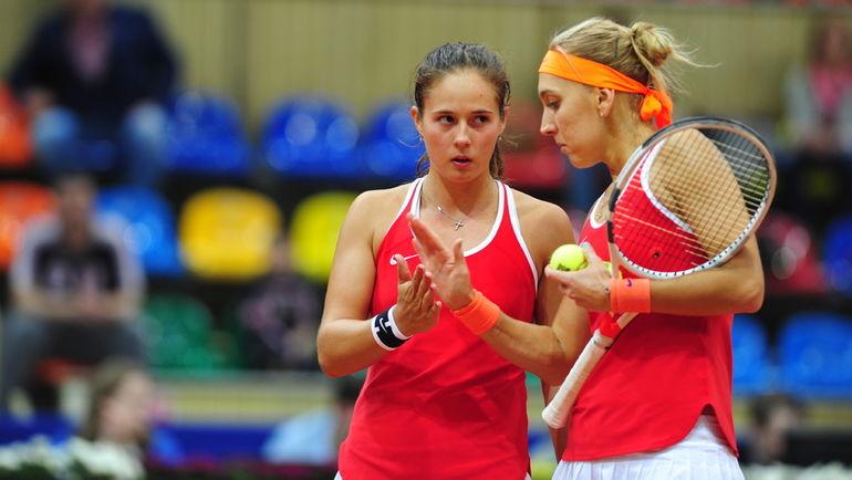 """Сегодня. Дарья КАСАТКИНА (слева) и Елена ВЕСНИНА проиграли решающий парный поединок бельгийкам. Фото Никита УСПЕНСКИЙ, """"СЭ"""""""