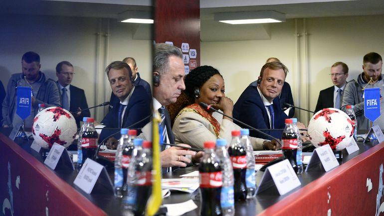 Сегодня. Санкт-Петербург. Слева направо: Виталий МУТКО, Фатма САМУРА и Колин СМИТ. Фото AFP