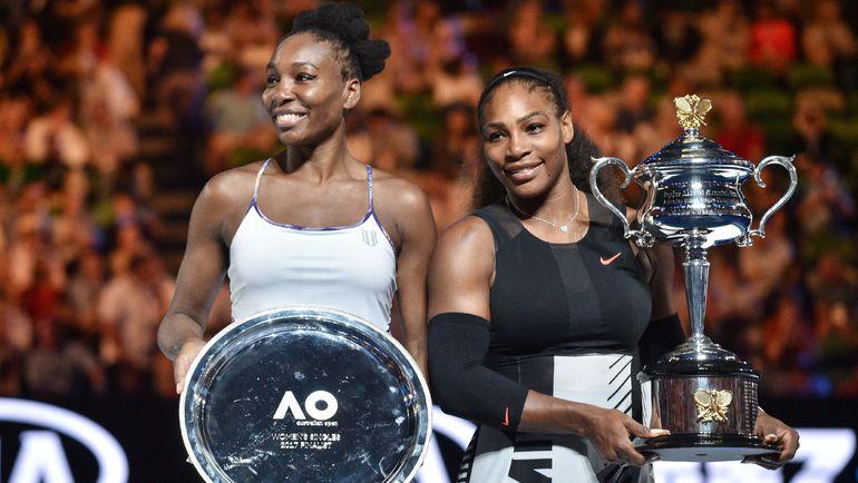 28 января. Мельбурн. Серена (справа) и Винус УИЛЬЯМС после финала Australian Open-2017. Фото AFP