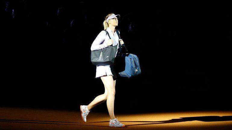 Среда. Штутгарт. Мария ШАРАПОВА выходит на свой первый за 15 месяцев матч. Фото Reuters