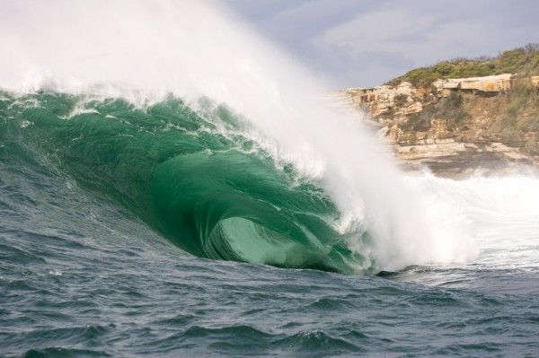 10 самых опасных волн в мире