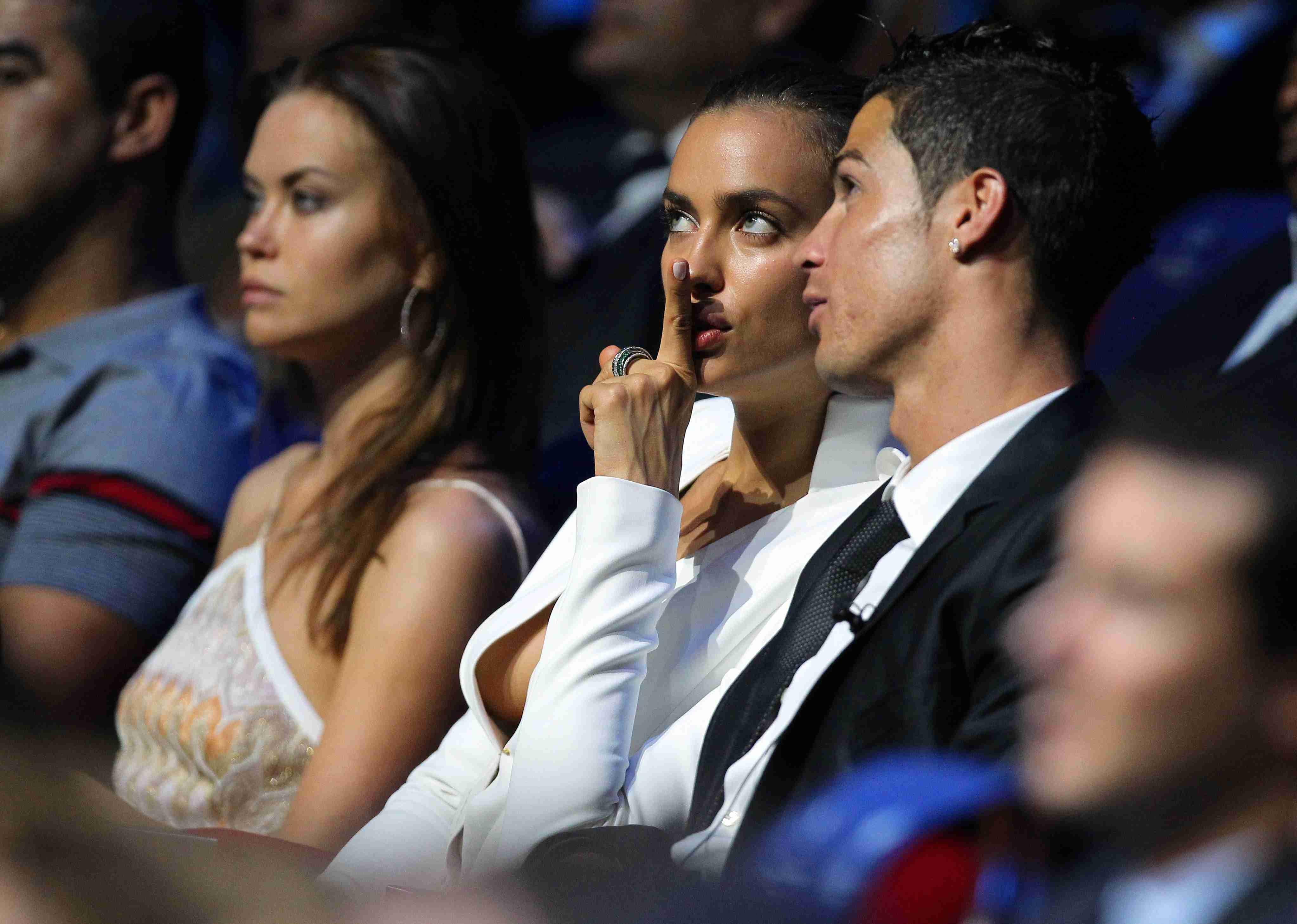 СМИ: Криштиану Роналду кусает локти, что упустил Ирину Шейк