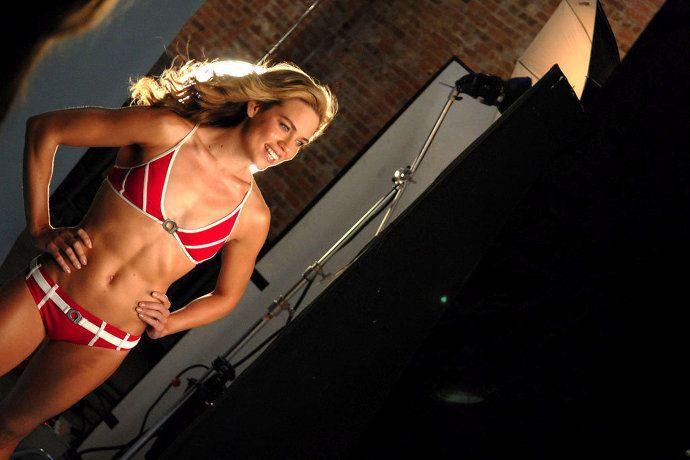 Фотографии самых сексуальных женщин-пловчих, порно с фистингом смотреть