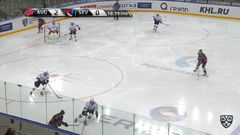 Гол. 3:0. Пестушко Максим (Авангард) забрасывает шайбу в ворота соперника