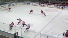 Удаление. Никита Квартальнов (ЦСКА) оштрафован на 2 минуты за подножку