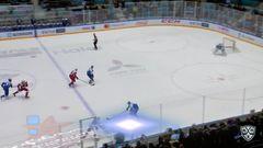 Удаление. Павел Красковский (Локомотив) удалён на 2 минуты за задержку клюшкой