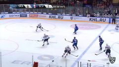 Удаление. Андрей Зубарев (СКА) удалён на 2 минуты за атаку игрока, не владеющего шайбой