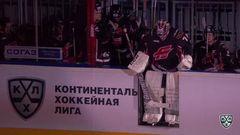 Удаление. Егоршев Станислав (Торпедо) за задержку клюшкой.