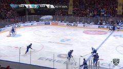 Гол. 7:0. Сергей Плотников (СКА) удачно бросил в касание