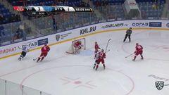 Гол. 3:2. Андрей Кутейкин (Динамо) попал впритирку со штангой