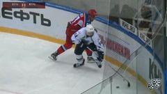 Гол. 0:1. Александр Акмальдинов (Югра) вывел команду гостей вперёд