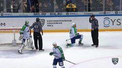 Удаление. Сами Лепистё (Салават Юлаев) оштрафован на 2 минуты за выброс шайбы