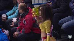 Гол. 3:0. Филиппи Томаш (Металлург Мг) забрасывает шайбу в ворота соперника