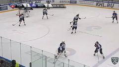 Гол. 4:0. Сёмин Дмитрий (Торпедо) забрасывает шайбу в ворота соперника