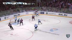 Гол. 0:3. Лазарев Антон (Салават Юлаев) забрасывает шайбу в ворота соперника