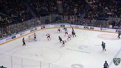 Гол. 3:2. Лещенко Вячеслав (Спартак) сокращает разрыв в счете