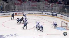 Удаление. Александр Стрельцов (Лада) удалён на 2 минуты за атаку игрока, не владеющего шайбой