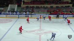 Гол. 2:1. Виктор Комаров (Лада) сократил разрыв в счёте