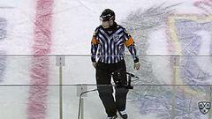 Удаление. Окулов Константин (Сибирь) наказан малым штрафом за опасную игру высоко поднятой клюшкой