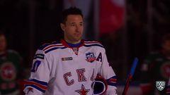 Удаление. Андрей Чибисов (Ак Барс) оштрафован на 2 минуты за задержку руками