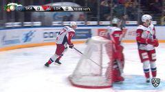 Гол. 0:1. Петри Контиола (Локомотив) броском с кистей открыл счёт в матче