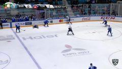 Удаление. Кулёмин Вячеслав (Торпедо) удален на 2 минуты за задержку шайбы руками