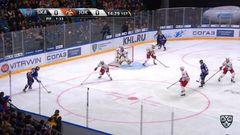 Гол. 1:0. Илья Ковальчук (СКА) открыл счёт, реализовав большинство