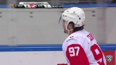 Гол. 0:1. Николай Складниченко (Спартак) открыл счёт, реализовав большинство