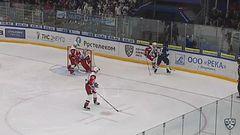 Гол. 1:1. Станислав Егоршев (Торпедо) бросил в касание под перекладину
