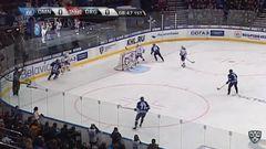 Удаление. Андрей Степанов (Динамо Мн) удалён на 2 минуты за опасную игру высоко поднятой клюшкой