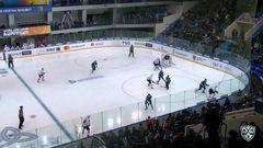 Удаление. Андрей Первышин (Нефтехимик) получил 2 минуты за атаку игрока. не владеющего шайбой