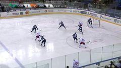 Удаление. Анкудинов Андрей (Югра) за опасную игру высоко поднятой клюшкой.