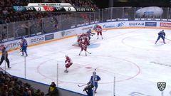 Гол. 1:0. Евгений Кетов (СКА) хитро подправил шайбу