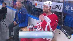 Удаление. Павел Лукин (Витязь) удалён на 2 минуты за атаку игрока, не владеющего шайбой