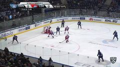 Гол. 1:0. Андрей Степанов (Динамо) реализовал двойное большинство