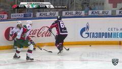 Удаление. Попов Андрей (Ак Барс) удален на 2 минуты за задержку клюшкой