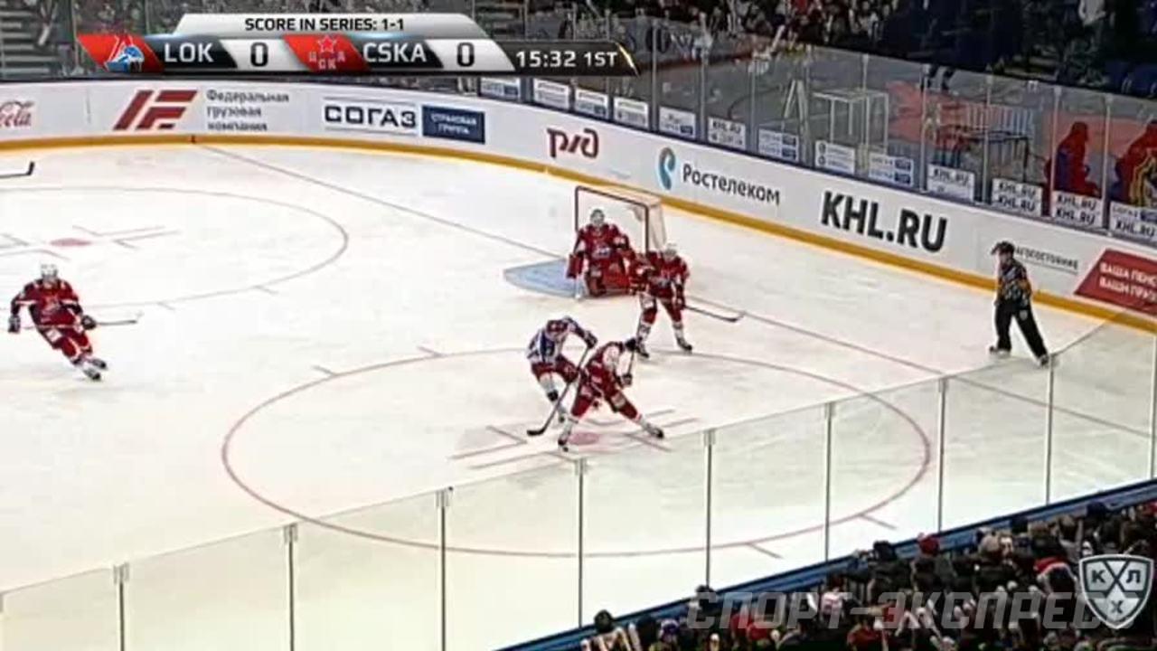 Удаление. Ян Муршак (ЦСКА) получил 4 минуты за опасную игру высоко поднятой клюшкой