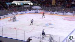 Удаление. Антон Белов (СКА) получил 2 минуты за опасную игру высоко поднятой клюшкой