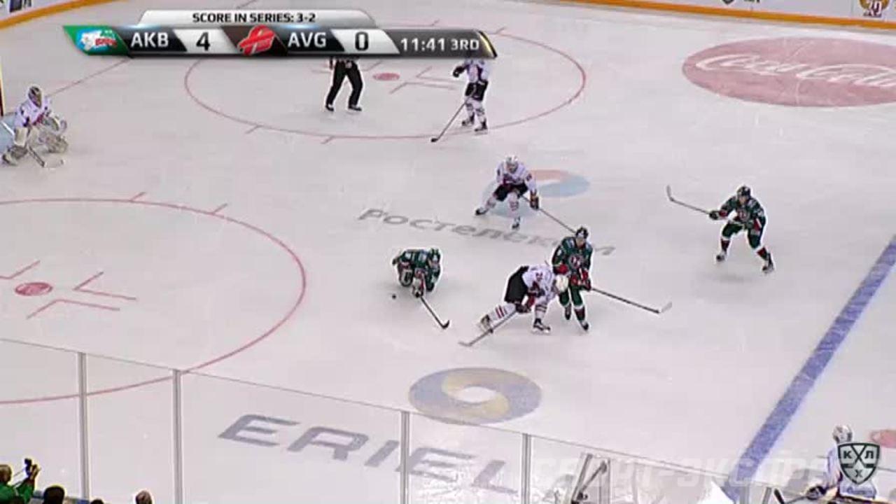 Удаление. Попов Андрей (Ак Барс) за атаку в область головы и шеи.